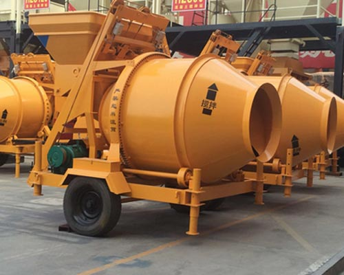mobile cement mixer