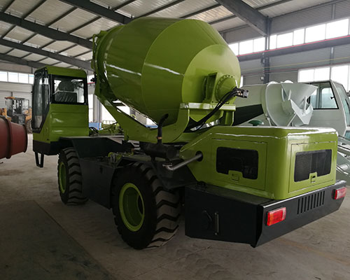 self loading mixer machine